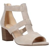 Chaussures Femme Escarpins Clarks 26141571 Beige