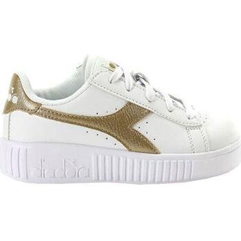Chaussures Enfant Baskets mode Diadora game step ps c1070 Doré