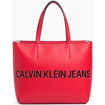 Sacs Femme Cabas / Sacs shopping Calvin Klein Jeans Logo sculpté zippé Rouge