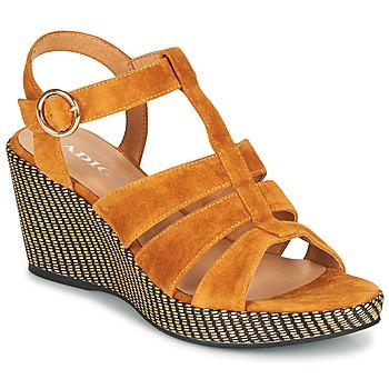 Chaussures Femme Sandales et Nu-pieds Adige FLORY V4 UNDER SAFRAN Jaune