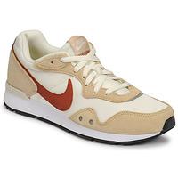 Chaussures Femme Baskets basses Nike NIKE VENTURE RUNNER Beige / Marron