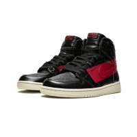 Chaussures Baskets montantes Nike Air Jordan 1 High Couture Defiant Black/Gym Red-Muslin