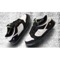 Chaussures Baskets basses Nike SB Dunk Low x Staple