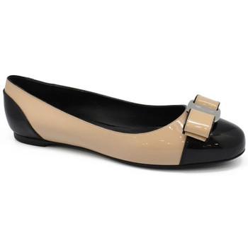 Chaussures Femme Ballerines / babies Salvatore Ferragamo  Beige