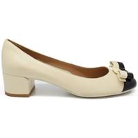 Chaussures Femme Escarpins Salvatore Ferragamo Escarpins Elea Beige