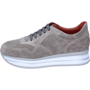 Chaussures Femme Baskets basses Triver Flight Sneakers Daim Beige