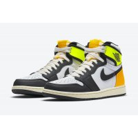 Chaussures Baskets montantes Nike Air Jordan 1 High Volt Gold White/Volt-University Gold-Black