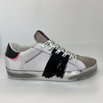 Chaussures Femme Baskets mode Crime London LOW TOP DISTRESSED BASKET Blanc