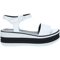 Chaussures Femme Sandales et Nu-pieds Tres Jolie 2662/FOX BLANC