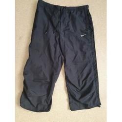 Vêtements Femme Pantacourts Nike Jogging court Nike 38/40 noir Noir
