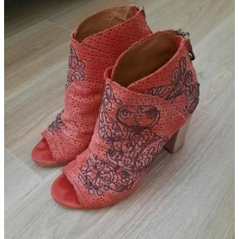 Chaussures Femme Sandales et Nu-pieds Mimmu Nu Pied bout ouvert broderies Rouge