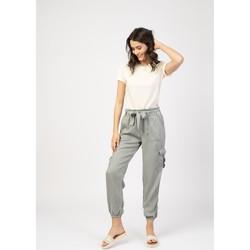 Vêtements Pantalons 5 poches Toxik3 Pantalon cargo fluide - Keira Gris clair