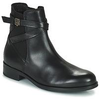 Chaussures Femme Boots Tommy Hilfiger TH HARDWARE ON BELT FLAT BOOT Noir