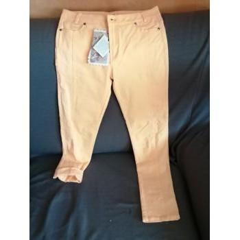 Vêtements Femme Pantalons 5 poches Lola Espeleta Pantalon orange vitaminé Lola Espeleta Jaune