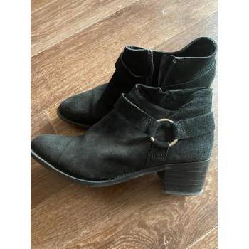 Chaussures Femme Boots Bianco Low boots en nubuck noires Noir