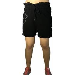 Vêtements Femme Shorts / Bermudas Lotto LTD525 Noir