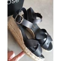Chaussures Femme Sandales et Nu-pieds Georgia Rose Sandales compensées noires Noir