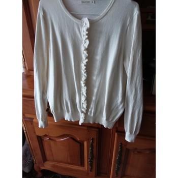 Vêtements Femme LA MODE EST A VOUS Victoria Superbe cardigan avec froufrou Woolovers Blanc