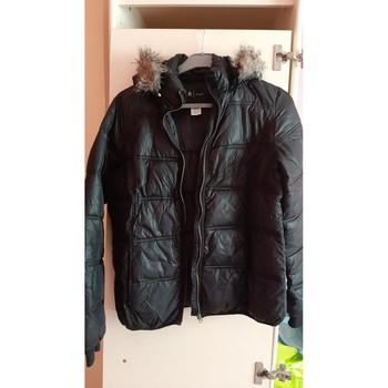 Vêtements Femme Doudounes Essentiel doudoune noire Noir