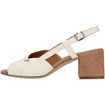 Chaussures Femme Sandales et Nu-pieds Tres Jolie 2011/BETH BLANC