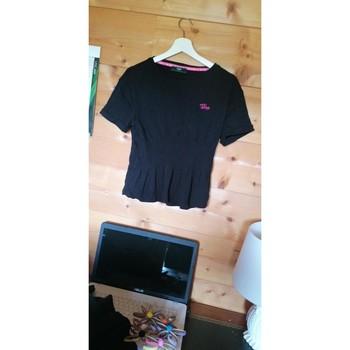 Vêtements Femme T-shirts manches courtes Guess T-shirt Guess Noir