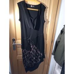 Vêtements Femme Robes longues Boutiques indépendante ROBE CHASUBLE MI LONGUE Noir