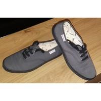 Chaussures Femme Baskets basses Victoria Baskets de marque VICTORIA modèle INGLESA LONA PISO Anthracite Gris