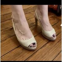 Chaussures Femme Sandales et Nu-pieds Hispanitas Escarpins peep toes Doré