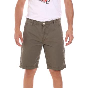 Vêtements Homme Shorts / Bermudas Gaudi 111GU25043WH Vert