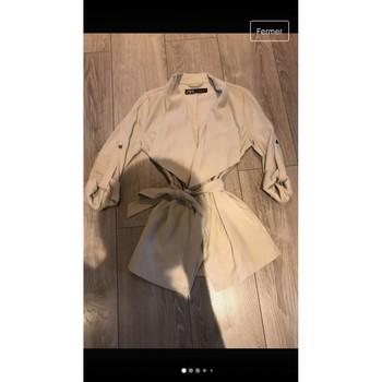 Vêtements Femme Vestes / Blazers Zara Veste ceinturée Beige