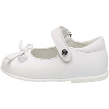 Chaussures Fille Ballerines / babies Naturino BALLET-ballerine en cuir de veau avec nœud blanc
