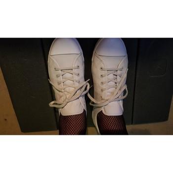 Chaussures Homme Tennis Lacoste Sneakers lacoste grises en cuir Gris