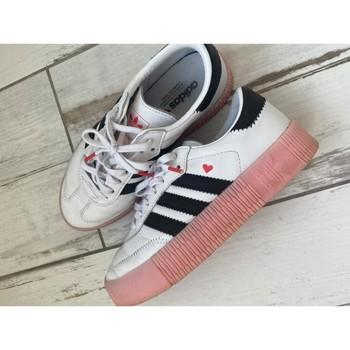 Chaussures Femme Baskets basses adidas Originals Adidas baskets sambarose Blanc