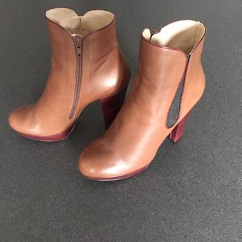 Chaussures Femme Bottines Paco Gil Bottines bi-couleur Paco Gil talon 12cm Marron