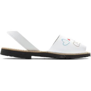 Chaussures Fille Sandales et Nu-pieds Arantxa MENORQUINA chien BLANC