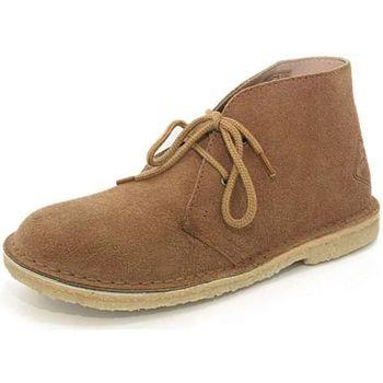 Boots Roadsign h34road001
