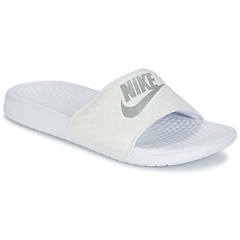 Chaussures Femme Mules Nike BENASSI JUST DO IT W Blanc / Argent
