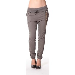 Vêtements Femme Pantalons de survêtement Rich & Royal Rich&Royal Pantalon City sweet kaki 13q915/477 Vert