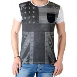 Vêtements Homme T-shirts manches courtes Deeluxe Union S15148 Blanc