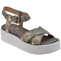Chaussures Femme Sandales et Nu-pieds Janet&Janet Boucle plate-forme Sandales Doré