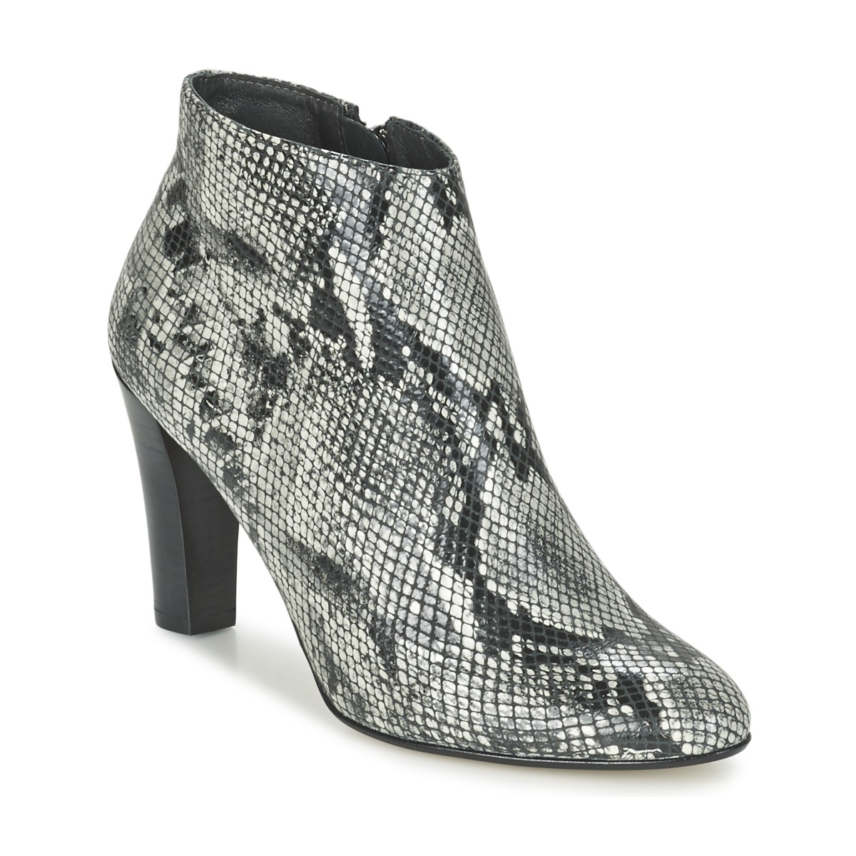 Betty London FODEN Python
