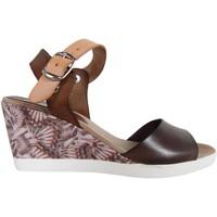 Chaussures Femme Sandales et Nu-pieds Cumbia 30151 Marrón