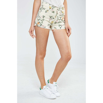 Vêtements Femme Shorts / Bermudas Citizens Of Humanity Short Chloe  Vert Ecru