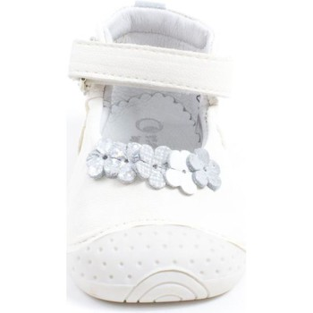 Chaussures Fille Chaussons Babybotte Chaussons  Fille blanc ZORA blanc