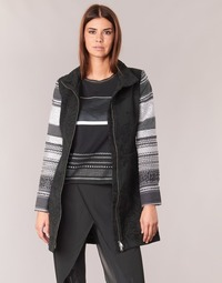 Vêtements Femme Manteaux Desigual GRAME Noir