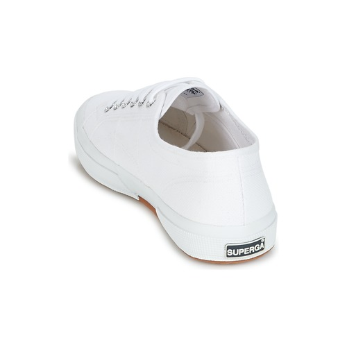 Classic Superga Baskets Blanc Basses 2750 UVqpSzM