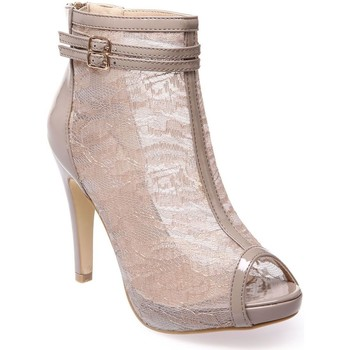 Chaussures Femme Bottines La Modeuse Bottines peep-toes taupe vernies à dentelle Taupe