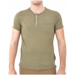 Vêtements Homme T-shirts manches courtes Guess T Shirt  Kaki (sp) Beige