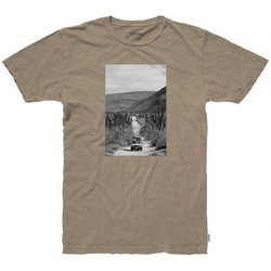 Vêtements Homme T-shirts manches courtes Nixon T-shirt  Adventure - Coffee Marron