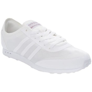 Chaussures Femme Baskets basses adidas Originals Cloudfoam Groove Neo Blanc